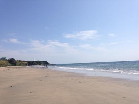 浜辺、6月の海
